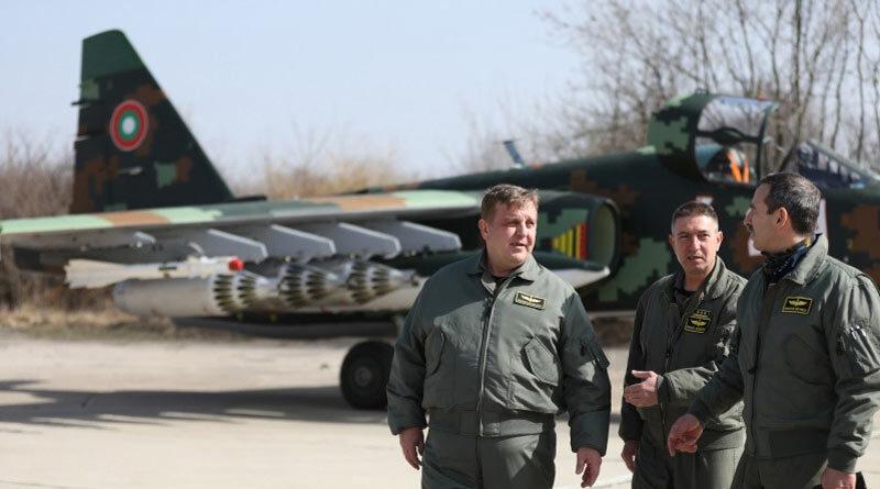 Авиабаза Безмер в Болгарии