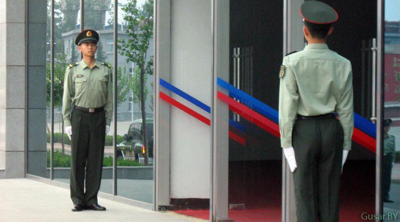 Китайские военнослужащие